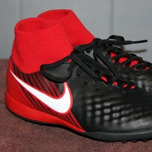 Nike Shoes - NIKE JR MAGISTAX ONDA II DF Youth Soccer Turf Shoe